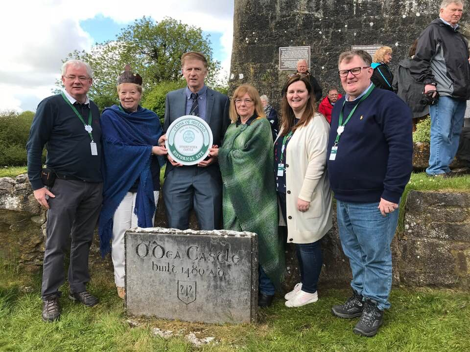 Presentation of the Inaugural Clans of Ireland Historical Site Plaque to the O'Dea Clan